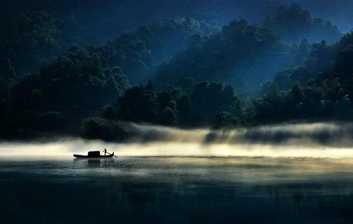 Хвалебные отзывы жюри в категории «Красота света» получил снимок китайского фотографа Чжэньчжэн Ху (Zhenzheng Hu).