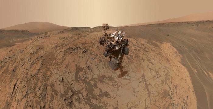Панорамное селфи, сделанное марсоходом Curiosity.
