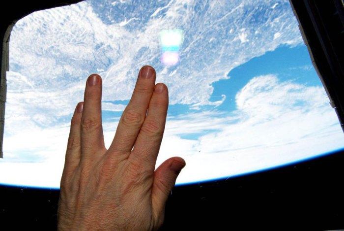 Бортинженер Международной космической станции почтил память Леонардо Нимоя.