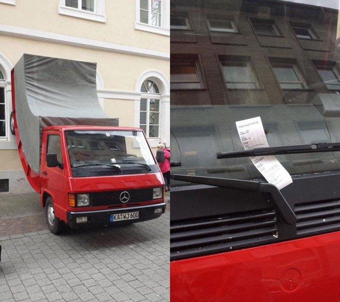 Полицейский в немецком Карлсруэ выписал штраф за неправильную парковку скульптуре австрийского художника Эрвина Вурма.