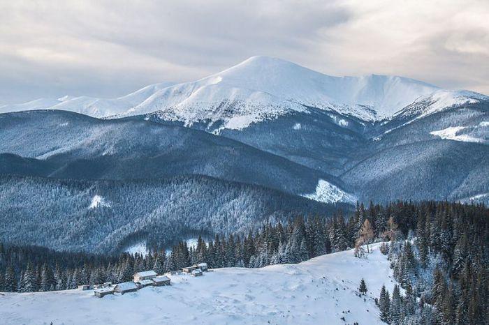 Самая высокая гора и наивысшая точка на территории Украины. Фотограф Роберт Лабчук.