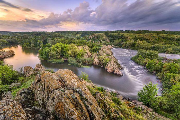 Южный Буг – река на юго-западе Украины, протекающая по территории пяти украинских областей. Фотограф Евгений Самученко.