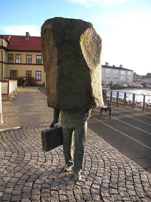 Самая остроумная, осмысленная и выразительная скульптура.