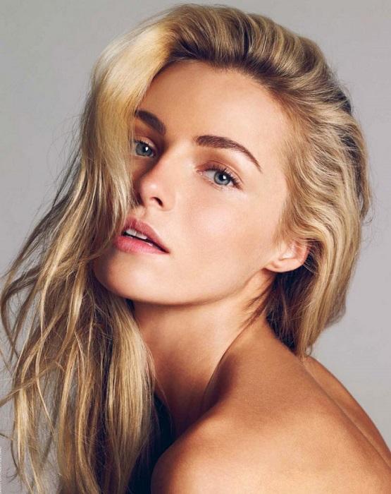 Девушка, обладающая классической славянской красотой, заняла 10-е место среди 20-ти самых высокооплачиваемых моделей по версии журнала «Forbes».