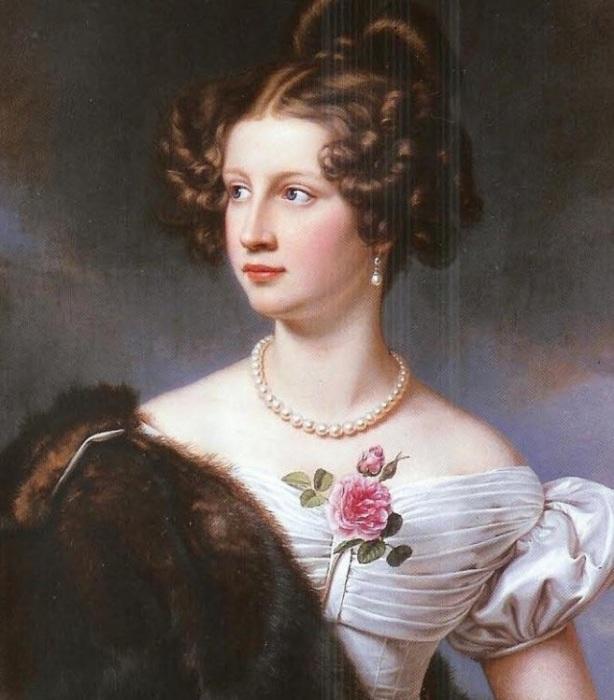 Известная красавица высшего света XIX века, в которую был влюблён и которой посвящал стихи Фёдор Тютчев.