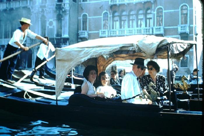 Прогулка на гондоле, является лучшей экскурсией по Венеции.