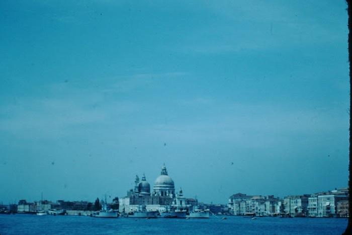 Вид на самый красивый храм Венеции Санта Мария делла Салюте.
