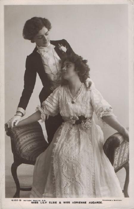 Актрисы Лили Элис и Адриен Агарде, 1907 год.