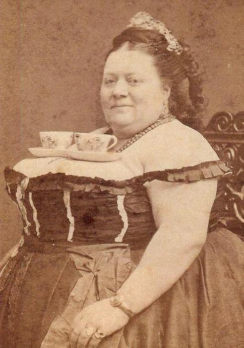 Портрет женщины с чайными парами на груди, 1890 год.