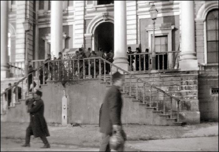После прибытия в Константинополь, 1903 год.