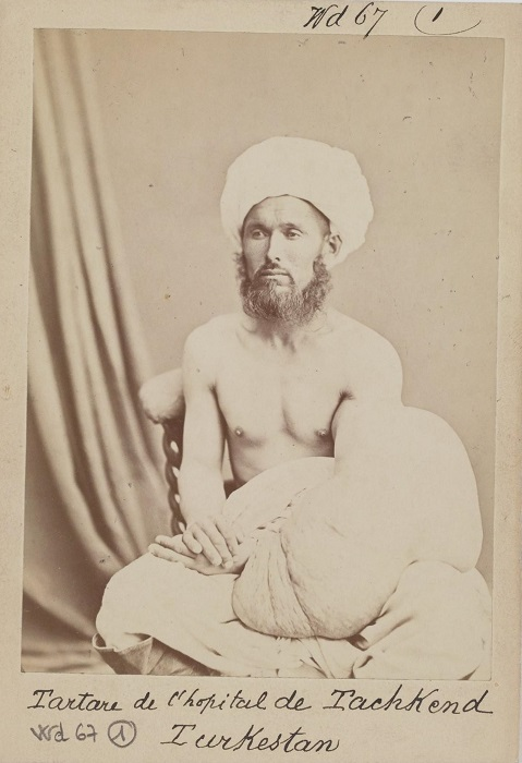 С 1867 года Ташкент был столицей Туркестанского генерал-губернаторства, в которой проживали разные народы и культуры.