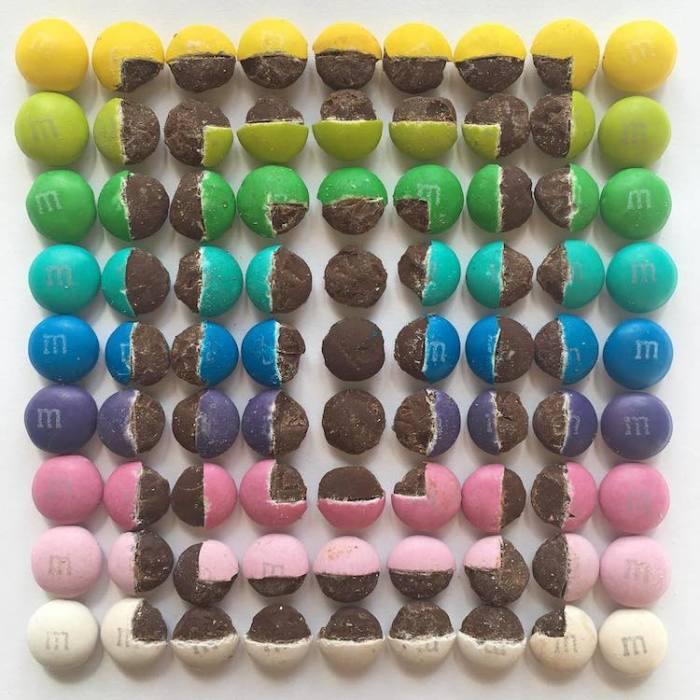Эксперименты с упорядочиванием «обработанных» шоколадные драже приобретают новые формы.