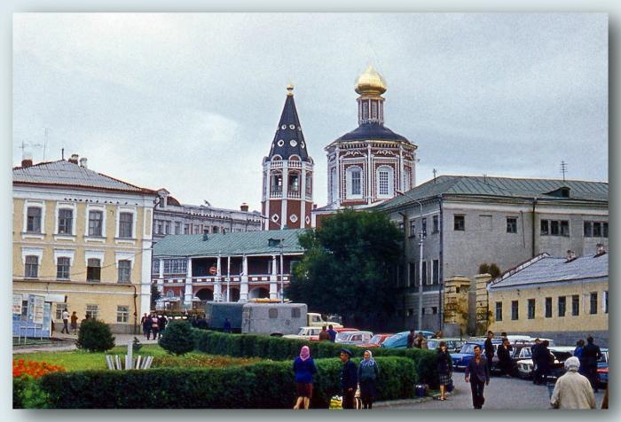 Православный собор на Музейной площади в Волжском районе города Саратова.