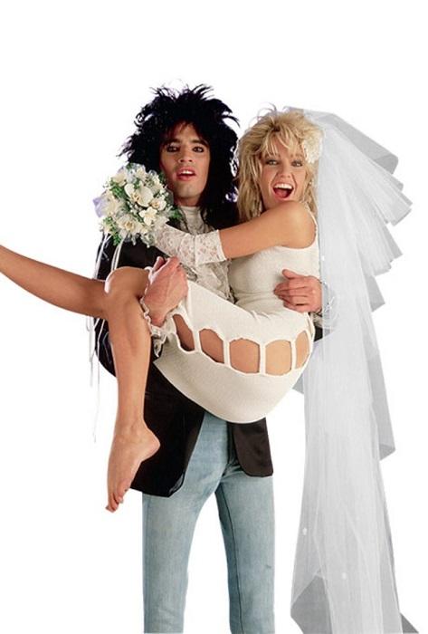 Звезда голливудских сериалов выходит замуж за ударника рок-группы «Мотлей Крю».