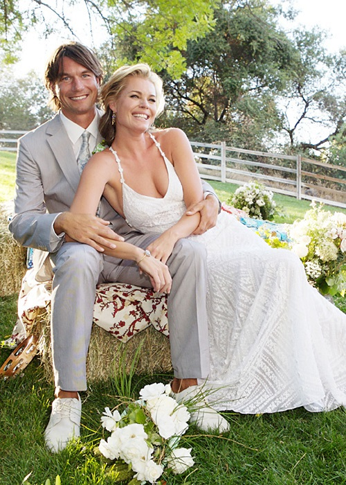 Ребекка, звезда трилогии «Люди Х», вышла замуж в потрясающем платье от Ralph Lauren.