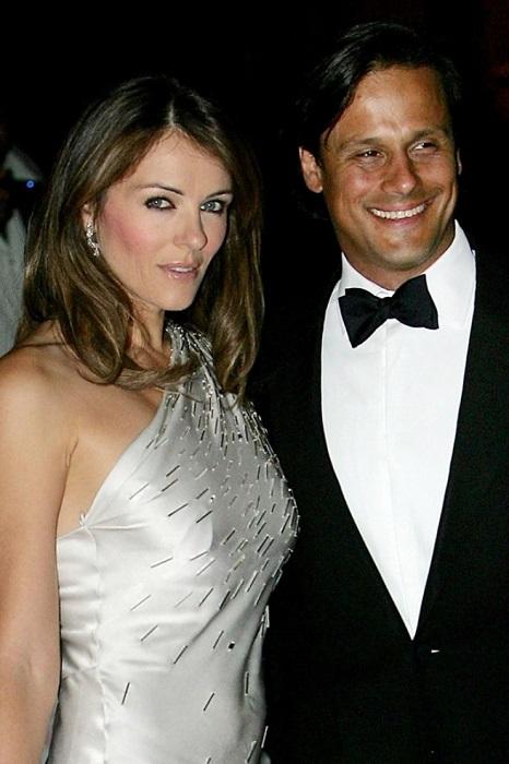 Лиз в возрасте 42 лет вышла замуж за индийского миллиардера Аруна. Грандиозная свадьба продолжалась пять дней, невеста была в наряде от Versace.