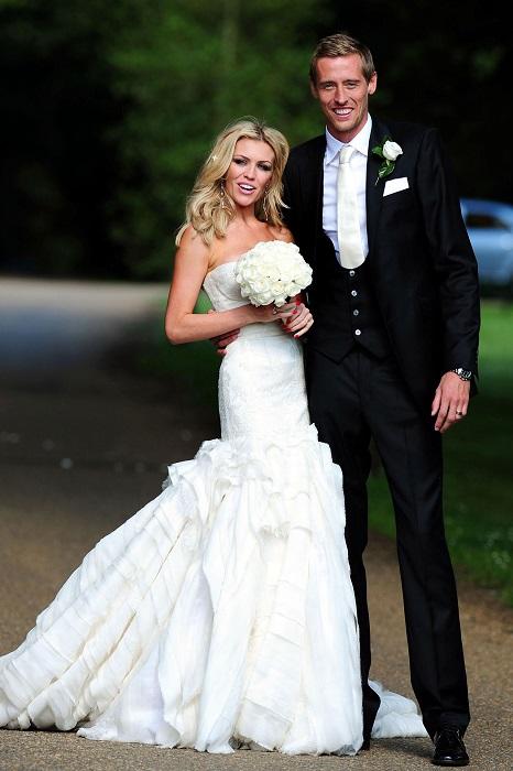 Модель Эбби вышла замуж за известного английского футболиста Питера.
