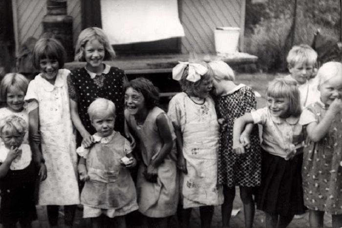 Дети, которые ведут кочевой образ жизни. Нидерланды, 1940 год.