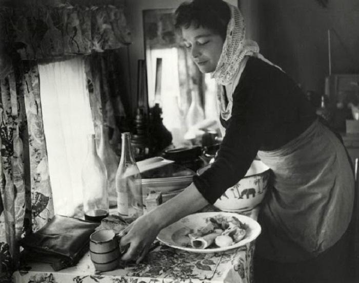 Обыденная жизнь цыганки в довоенное время.