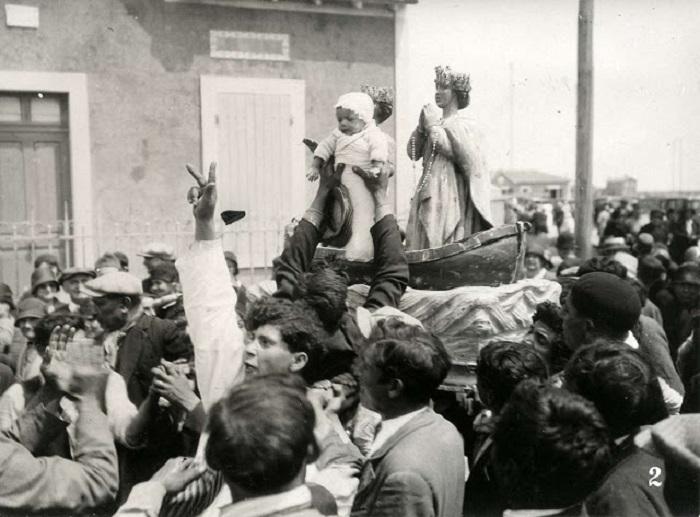 Цыганское шествие в Сент-Мари, 1930 год.