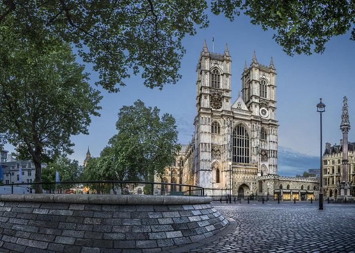 Самая главная святыня Англии и одна из замечательных образцов английской ранне-готической архитектуры.