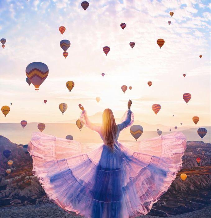 Грациозная Мария в невероятно воздушном легком платье и живописный рассвет в Каппадокии, Турция.