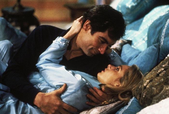 Британская актриса Мэриам в роли Кары Милови в фильме «Искры из глаз», 1987 год.