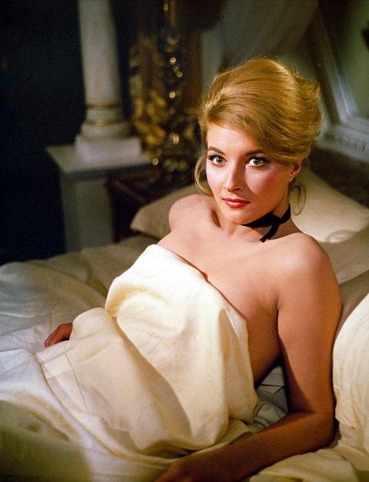 Итальянская актриса Даниэла в роли Татьяны Романовой в фильме «Из России с любовью», 1963 год.
