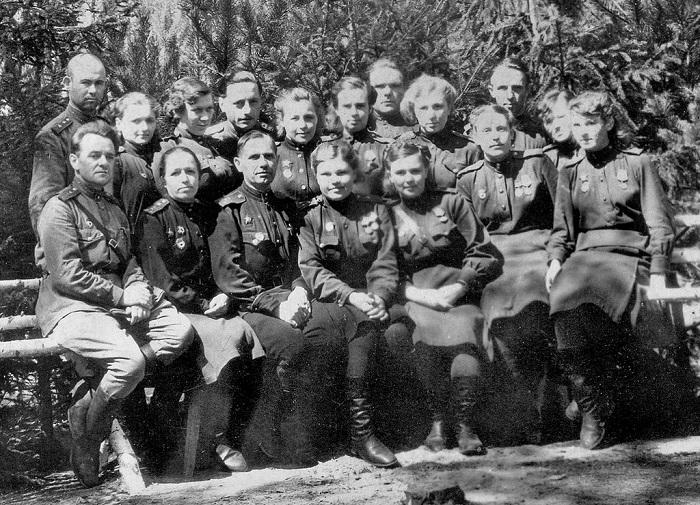 Фото 585-го медико-санитарного батальона 75-й гвардейской стрелковой дивизии.
