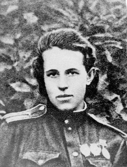 Анна Александровна Егорова лейтенант 805-го штурмового авиационного полка.