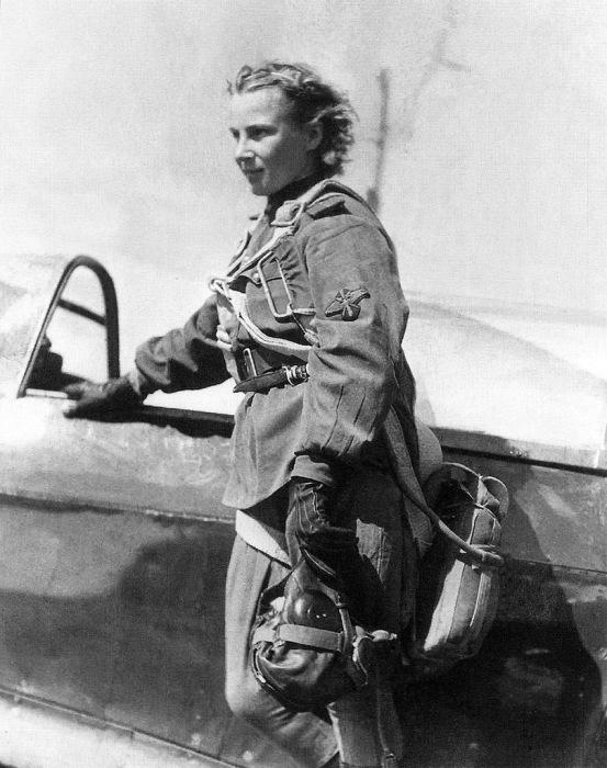 Младший лейтенант Лидия Литвяк пилот 73-го гвардейского истребительного авиаполка.
