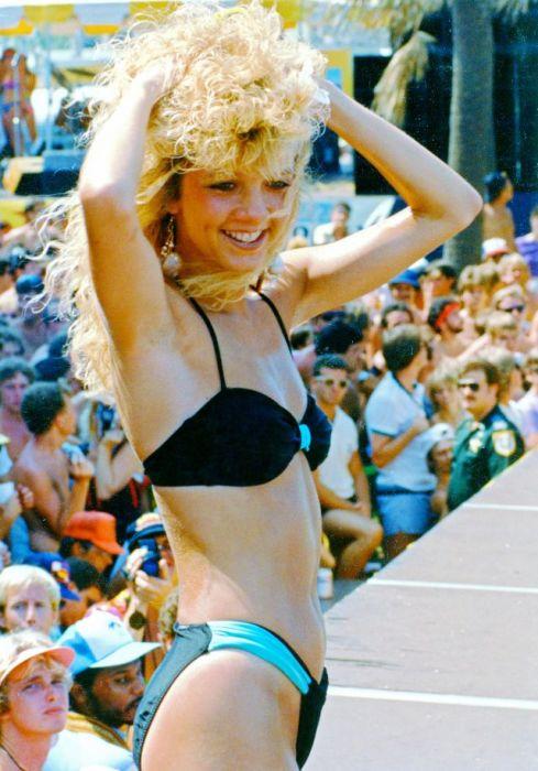 В 1980-х годах «перманент» был популярен не только среди женщин – модники сильного пола тоже носили завитушки!