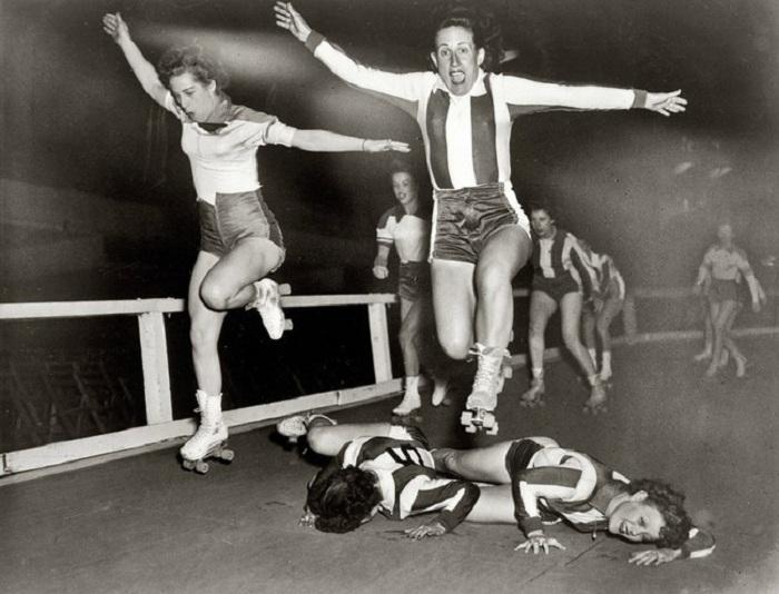 Женская лига роллер-дерби в Нью-Йорке.
