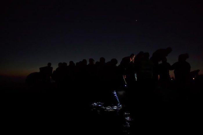 Мигранты передвигаются по территории Европы.
