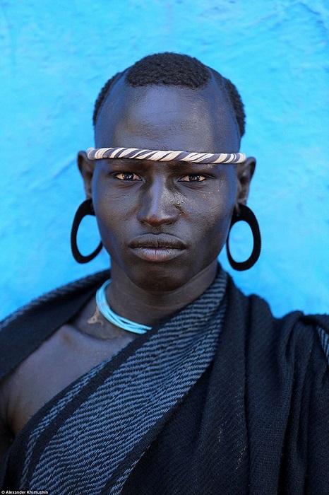 Полных мужчин в племени считают героями и самыми завидными женихами.