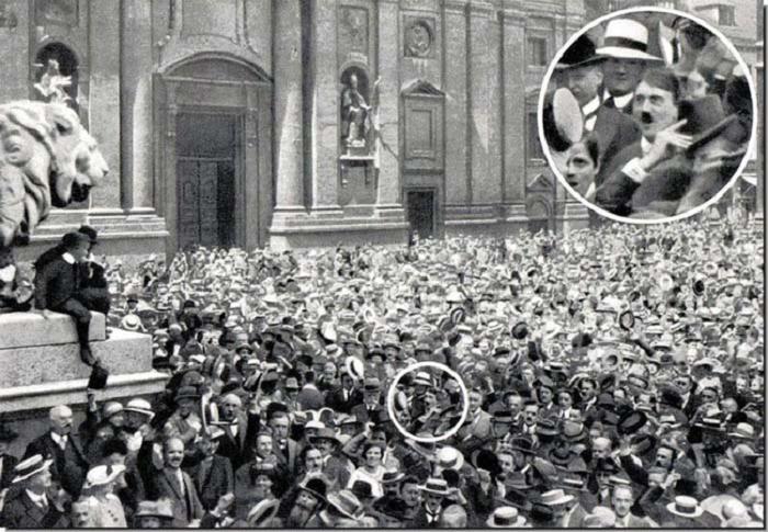 Адольф Гитлер, узнавший об объявлении Первой мировой войны (1914).