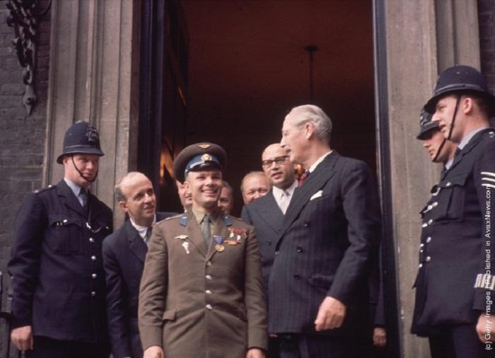 Юрий Гагарин - самый популярный человек XX века.