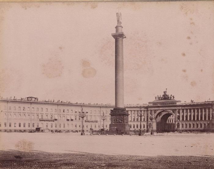 Главная площадь Санкт-Петербурга.