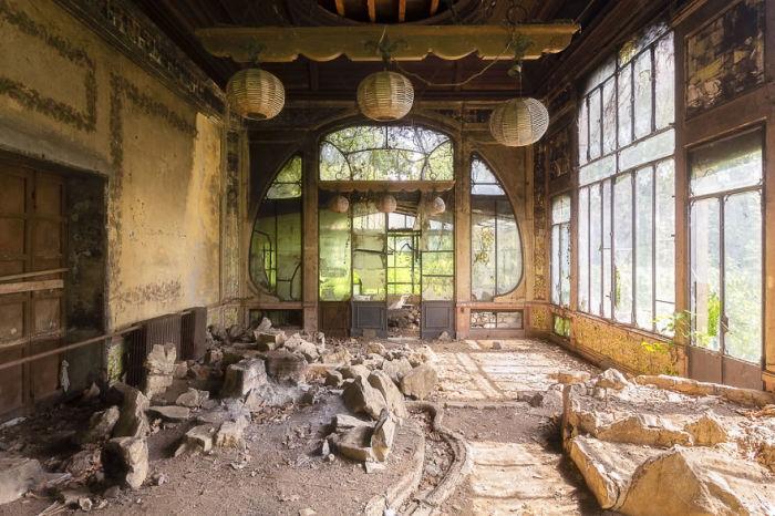 Интерьер роскошной оранжереи заброшенного итальянского особняка, который был построен в качестве свадебного подарка.