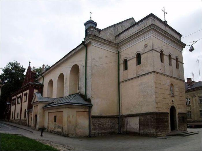 Костел Марии Снежной — «Дом господина Бонасье».