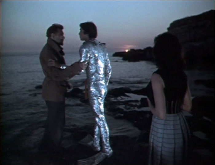 Съемки этой сцены проходили в Крыму, в бухте Ласпи.