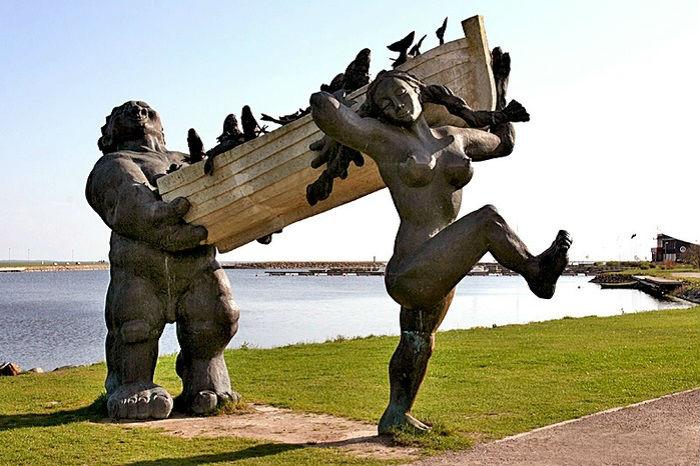 Героями скульптуры являются воспетые в эстонских преданиях супруги-великаны, которые возвращающимися с рыбалки с богатым уловом.