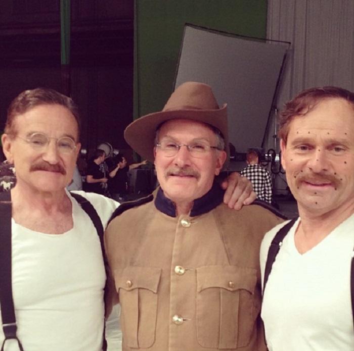 Робин Уильямс и его дублёры на съёмках фильма.