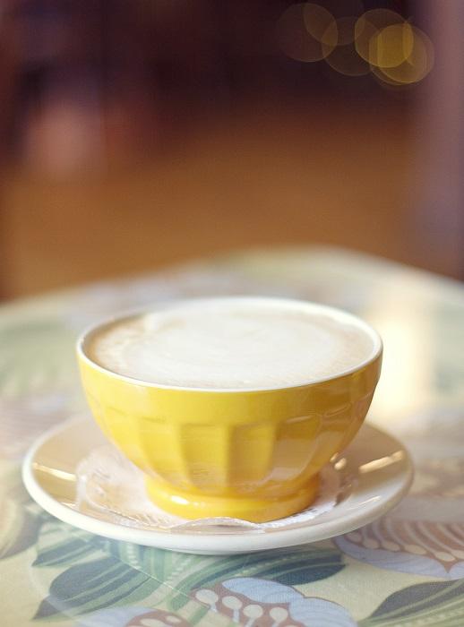 Кофе с молоком по-французски.