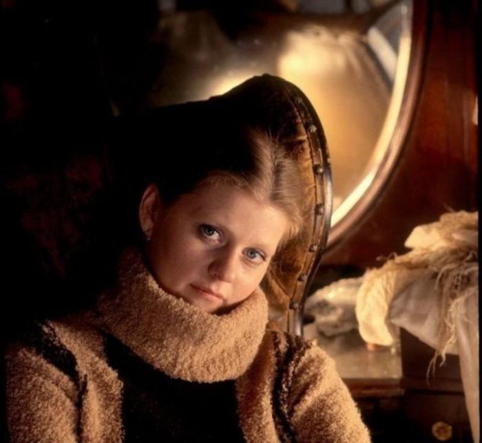Советская и российская актриса приобрела популярность благодаря съемкам в фильме «Москва слезам не верит».