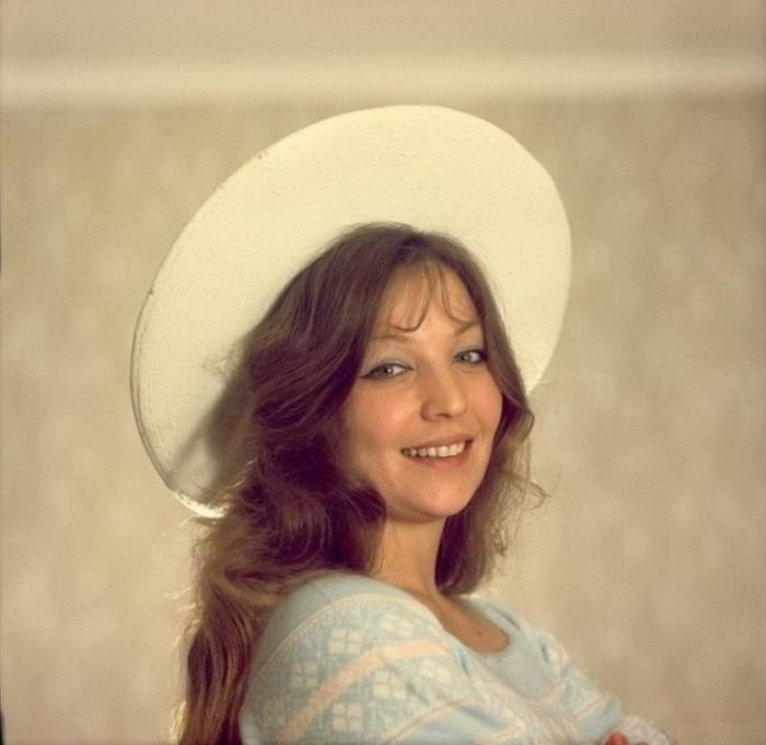 Большую популярность советской актрисе принес фильм «Доживем до понедельника», где Ольга сыграла роль школьницы.