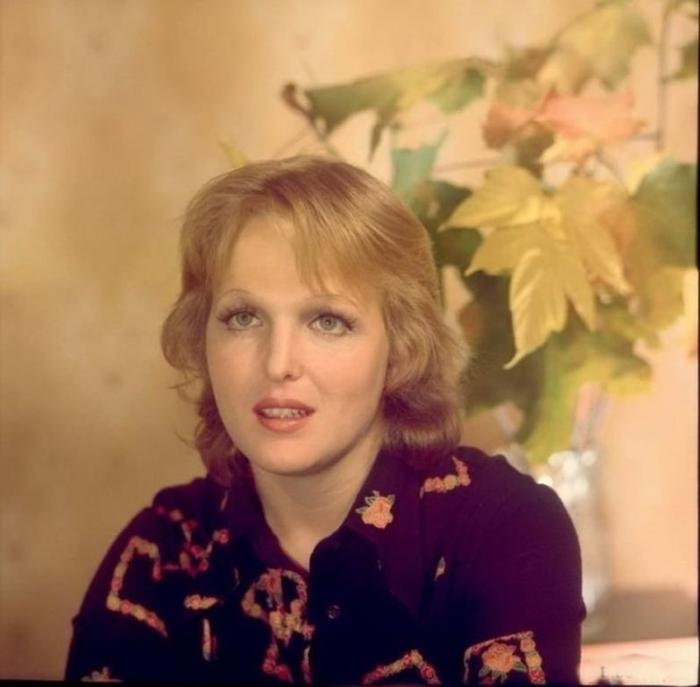 Дебют актрисы в кино состоялся в короткометражном фильме «В горах мое сердце» во время учебы на первом курсе.