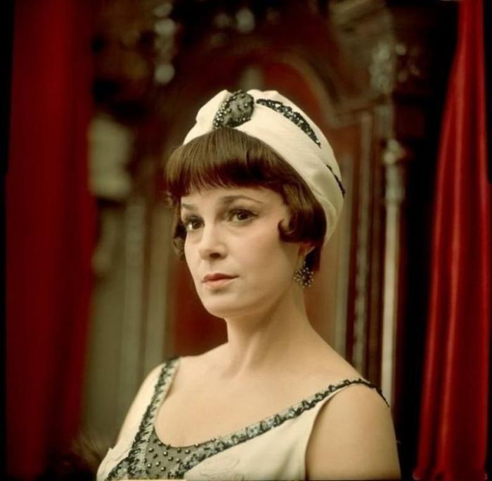 Самой популярной ролью актрисы стала легендарная Аксинья из фильма-эпопеи «Тихий Дон».
