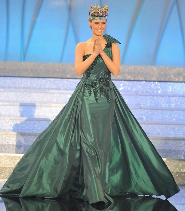 Победительница конкурса «Мисс Мира» 2010 года, она стала 60-й по счету Мисс Мира и первой из США с 1990 года.