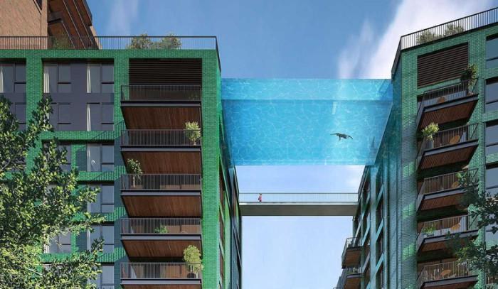 Проект стеклянного бассейна между двумя зданиями в Лондоне.